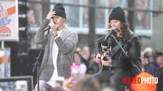 "Justin Bieber - ""Home To Mama"" and ""Love Yourself"" Live on The Today Show"