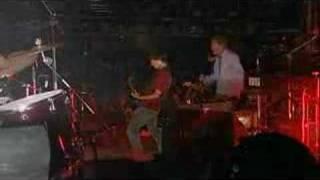 Eddie Vedder & Betchadupa - I See Red (Clip, Split Enz)