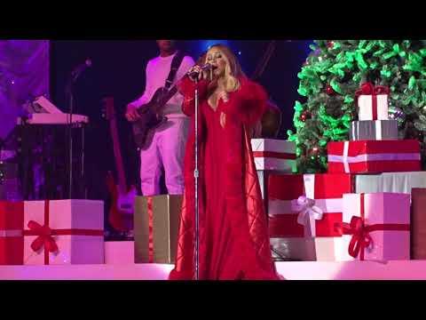 Mariah Carey - Oh Holy Night - Live In Paris 2018 HD