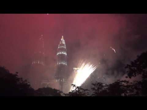 Suria KLCC Malaysia Happy New Year 2017 Firework