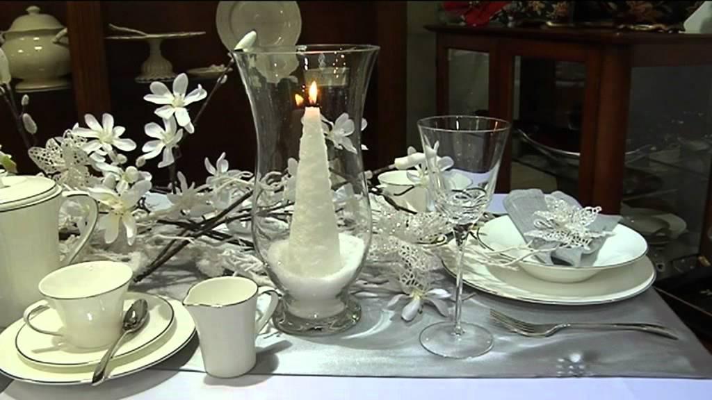 Aranżacja świątecznego Stołu W Tonacji Bieli I Szarości