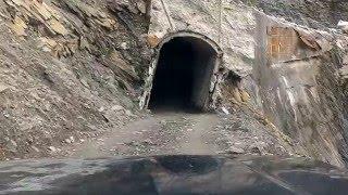 天長隧道攔腰被切斷,山的變化真大,從這個角度看真的好驚險。目前能高...