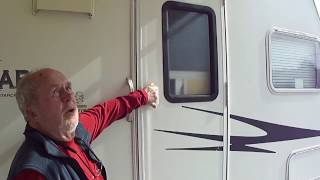 2006 Starcraft Travelstar XLT 27TB Toy Hauler Walkaround