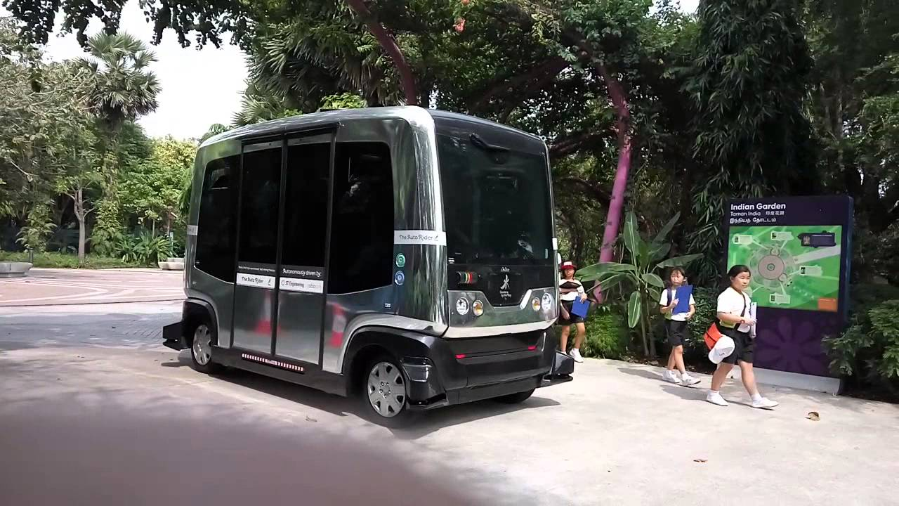 "Garden By The Bay Bus smart nation] ligier easymile ez10 ""auto rider"" on dynamic test in"