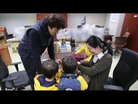 Song Triplets Team Up With Dad One Last Time to Prepare Surprise  for Mom