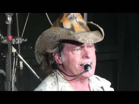 Ted Nugent - Wang Dang Sweet Poontang   July 19 2017 Nashville