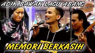 Download lagu Memori berkasih||Duet terpanas khalis Adik achik spin.vocal dia sma dengan abg dia..