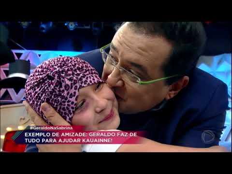 Menina com câncer que recebe ajuda de Geraldo Luís faz surpresa para o apresentador