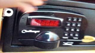 Download How To Work A Hotel Room Safe Videos - Dcyoutube