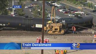 Baixar Freight Train Derails In Devore