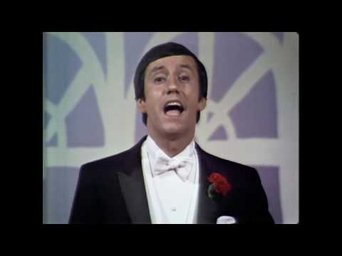 """Ray Stevens - """"Along Came Jones"""" (Live On Andy Williams Show, 1969)"""