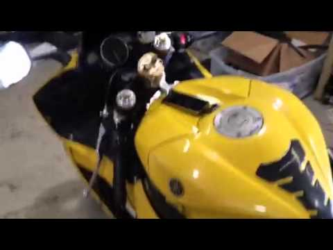 Yamaha r6 with custom 4 speaker stereo and remote start