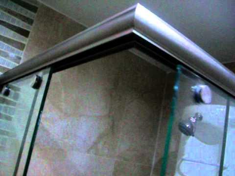 division para baÑo en aluminio satinado y vidrio templado de 8mm ... - Perfiles De Aluminio Para Puertas De Bano
