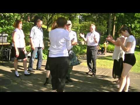 Cleveland Ceili Club in Irish Cultural Garden on One World Day