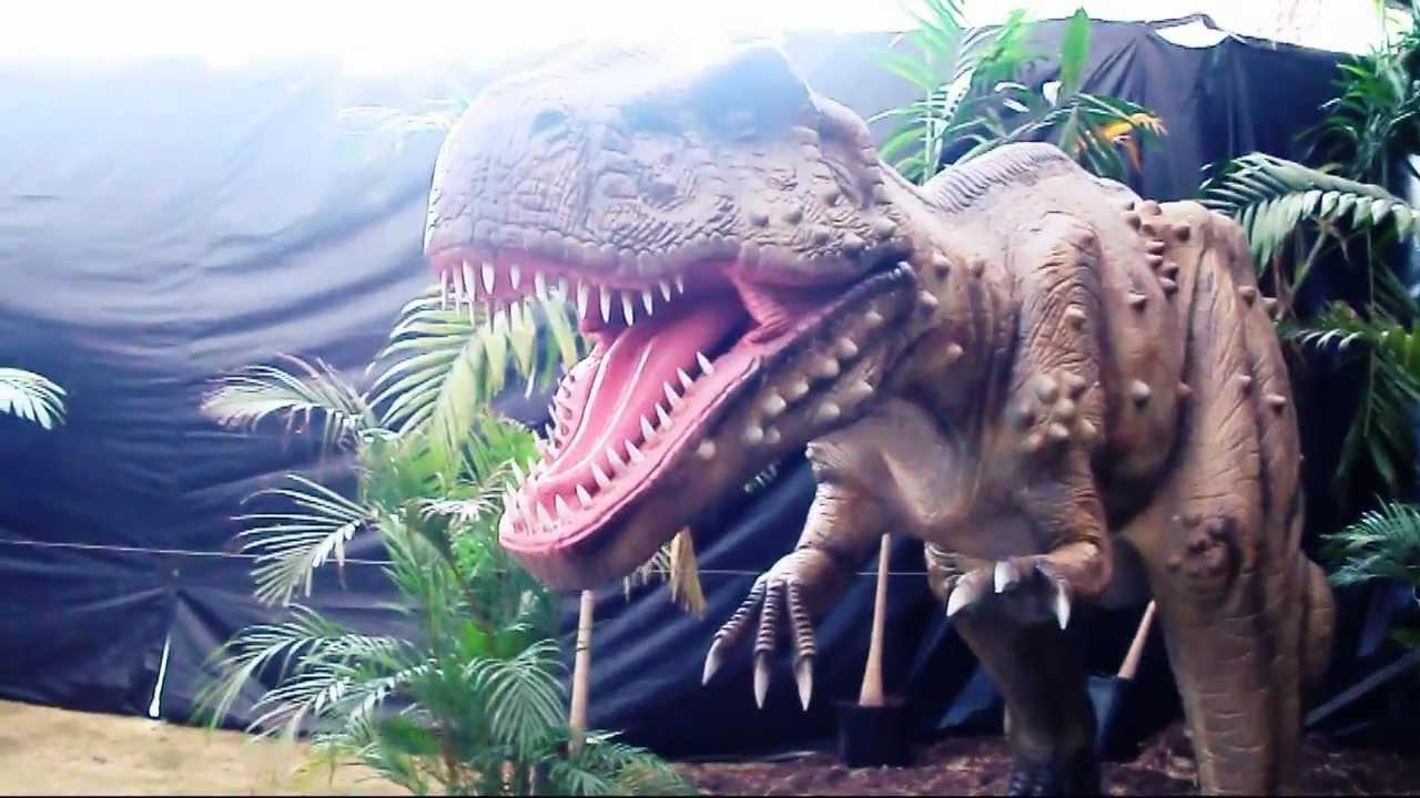 Bosque jurasico dinosaurios en vivo en el jardin botanico for Bodas en el jardin botanico de caguas