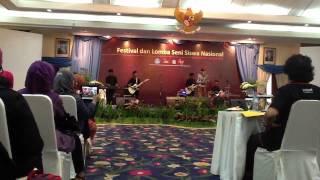Aldhita Rizky - Berkibarlah bendera negeriku ; JUARA 1 FLS2N 2012 Nasional Mataram