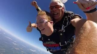 Baixar 1511 Lindsey Young Skydive at Chicagoland Skydiving Center 20170729 Len Len