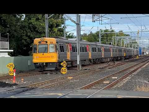 Queensland Rail: Various Trains Around Sherwood Station (with Horns)!