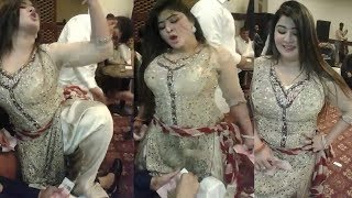 pakistani mujra to kheech meri photo /urdu new songs/pakistani mujra  dance 2019/pashto new songs