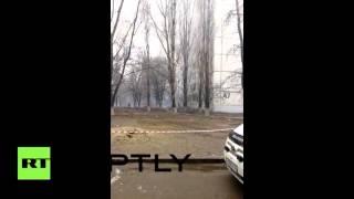 Момент взрыва в жилом доме в Волгограде(При взрыве газа в жилой многоэтажке в Волгограде разрушены и повреждены порядка 36 квартир, в которых прожив..., 2015-12-20T17:20:42.000Z)