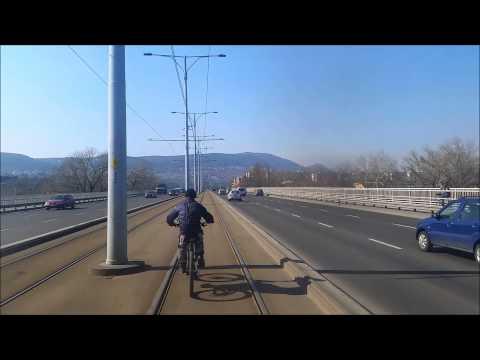 Biciklis az Árpád hídon