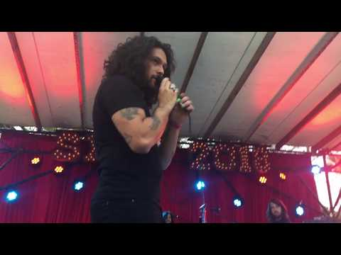 Let Me Down Easy [partial, up close] by Gang of Youths SXSW 2018