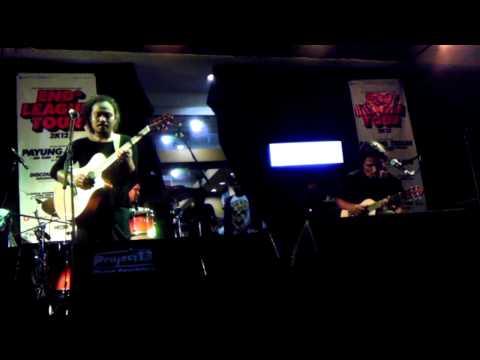Payung Teduh - Kucari Kamu (2012 Live at Makassar) HD