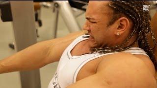 Тренировка груди от Игоря Гостюнина.