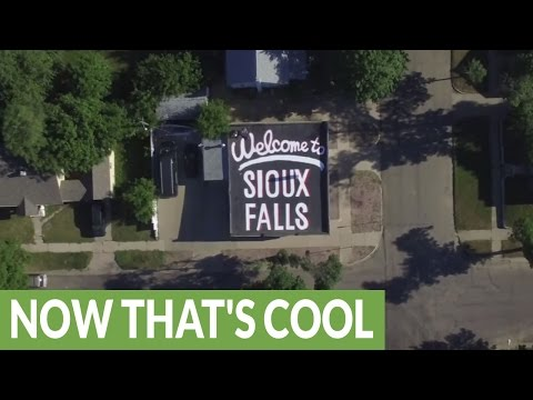 Sioux Falls citizen finds creative way to welcome visitors