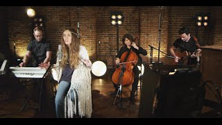 Смотреть клип Lauren Daigle - Come Alive