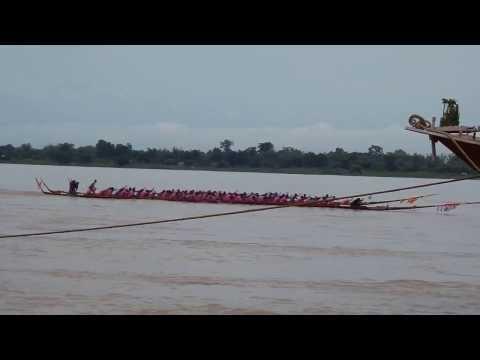 ประเพณีแข่งเรือยาวไทย-ลาว