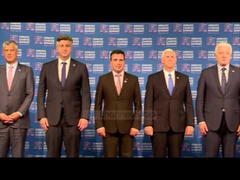Pse mungoi Rama në foton zyrtare? - Top Channel Albania - News - Lajme
