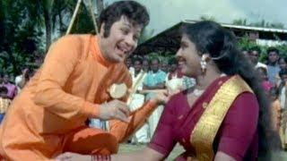 Odi Odi Uzhaikkum Nalla Neram Tamil Song - MGR, K.R. Vijaya.mp3