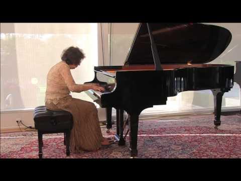 Juana Zayas playing Chopin Edutes Op. 25