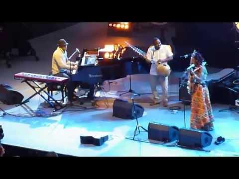 11 juil 2014 Fatoumata Diawara Mali & Roberto Fonseca Cuba