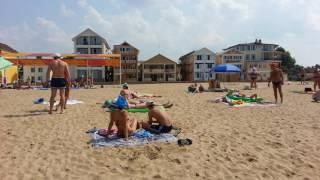 Крым-2016, Саки, база отдыха Прибой - народу тьма(Давно столько людей не видел на пляже., 2016-07-26T08:24:31.000Z)