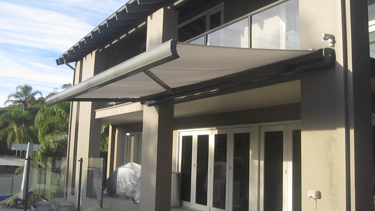 Lewens Retractable Motorised Awning