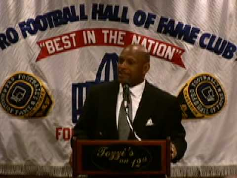Archie Griffin Speaks at Pro Football HOF Luncheon Club