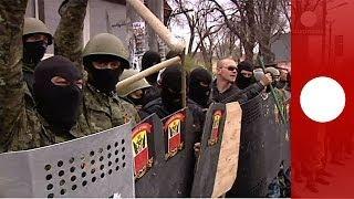 Видео: столкновения между активистами в Одессе(Несколько человек получили ранения в результате столкновений, произошедших 10 апреля между пророссийскими..., 2014-04-11T15:37:13.000Z)