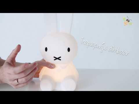 Mr Maria Nijntje Eerste Licht Lamp - CozyKidz Productvideo