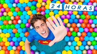 24-horas-en-piscina-llena-de-bolas-de-colores