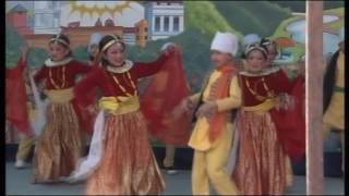 Chhapakai ful fulyo, Dance by Azusa and her friends....... HD