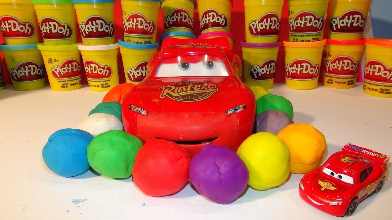 Gioca a Doh Surprise Eggs, Pixar Cars Lightning Mcqueen e-9095