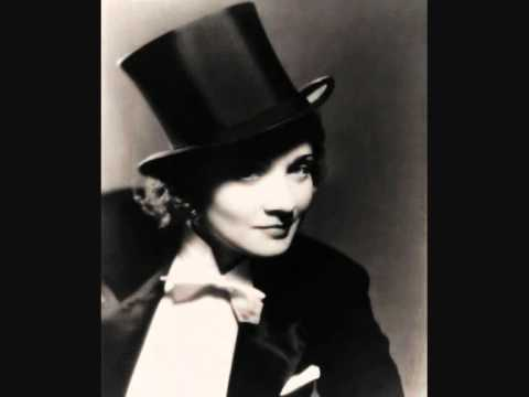 Marlene Dietrich sing Lili marleen German with verry nice pictures