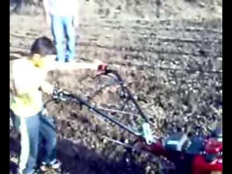 Antonio motozappa brumi 5 cv youtube for Motozappa youtube