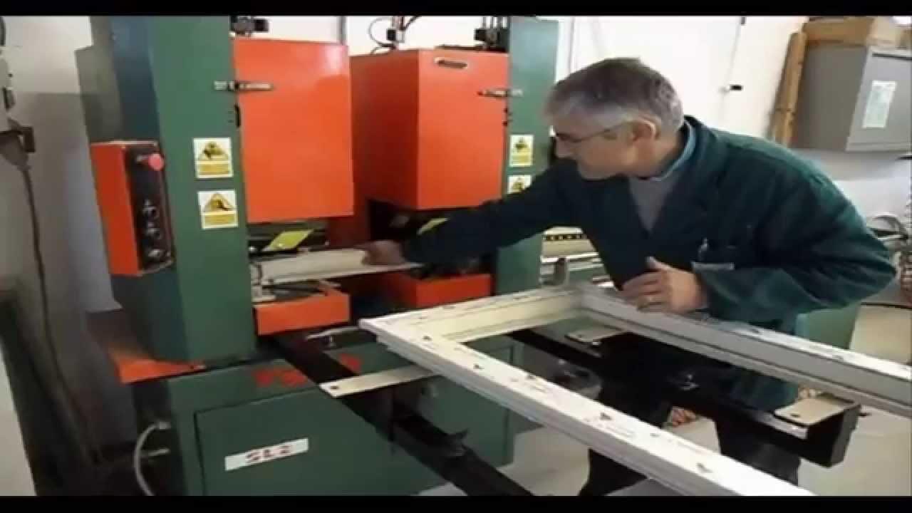 Fasi della produzione di una finestra in pvc infissi pvc for Finestre pvc usate