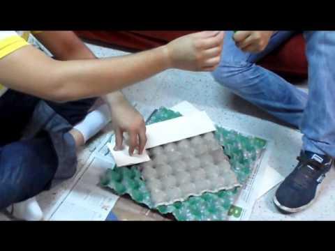 Marco espejo con cajas de huevo youtube for Marcos para espejos de sala
