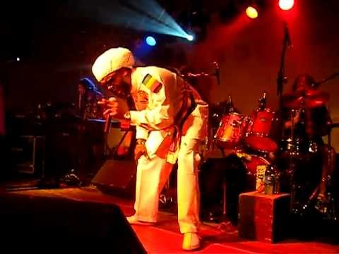 No Nuclear War - Andrew Tosh with Tosh Band CWB - Live Brasilia 2011.