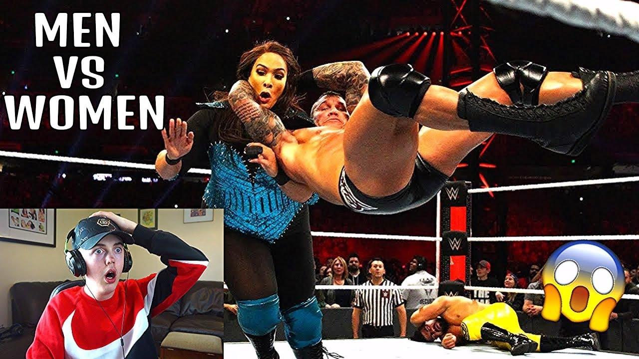 MEN VS WOMEN IN WWE... - YouTube