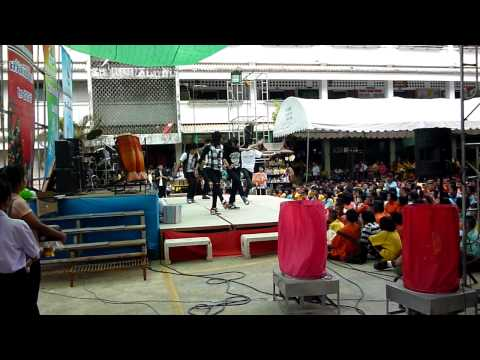 Cover Shock Beast : Charisma Beat[@ Horwang Pathumthani School] 7/01/2012